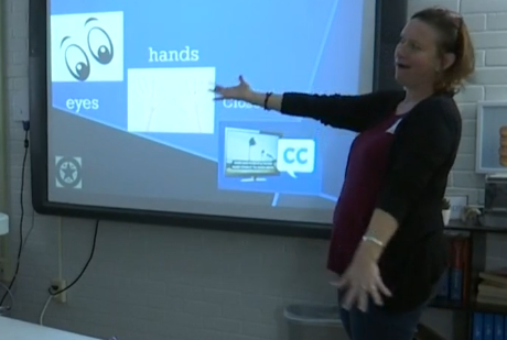 Sign language storyteller creates special experience for deaf students in Abilene